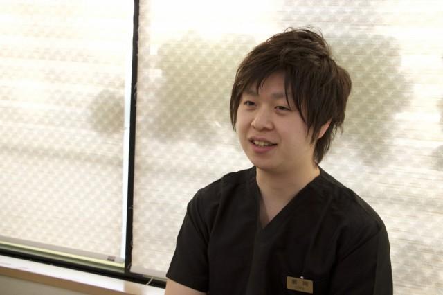 飯岡先生の経歴を教えてください。