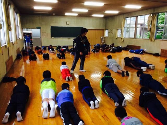 大久保先生は体幹トレーニングの指導やサッカーのコーチとしても活躍されてるんですか?